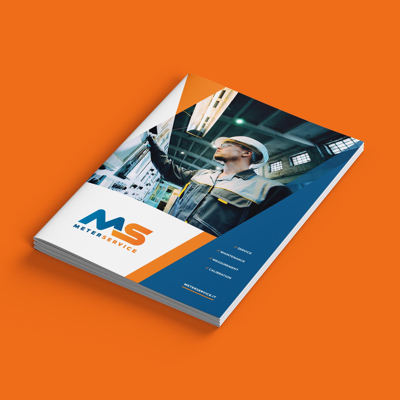brochure Meterservice su sfondo arancio