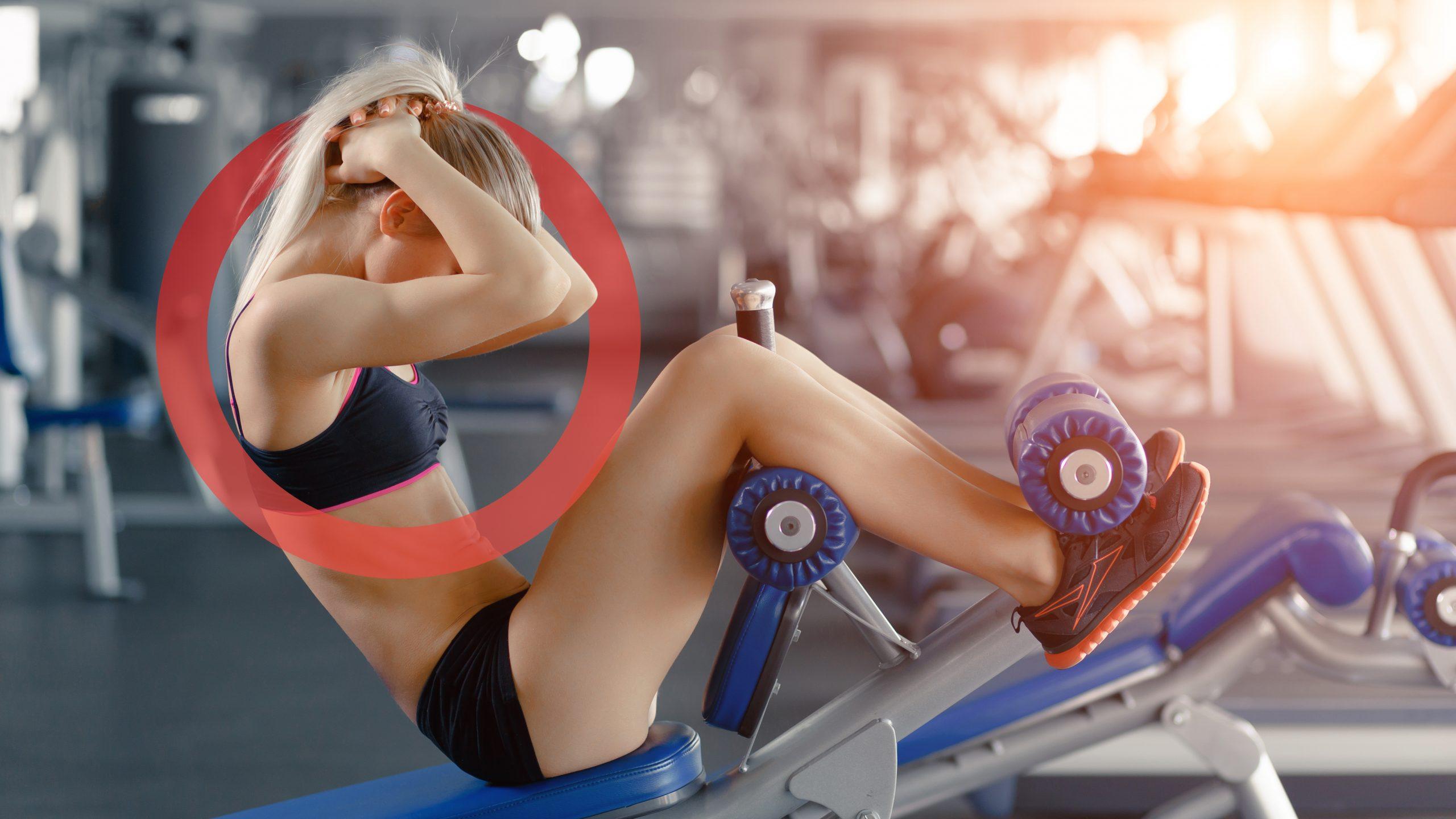 donna che fa esercizio in palestra. Come decoro, elemento grafico Studio Benessere360