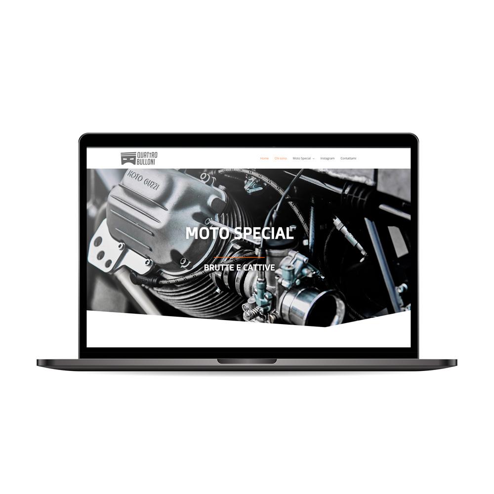 laptop che visualizza la home del sito Quattrobulloni