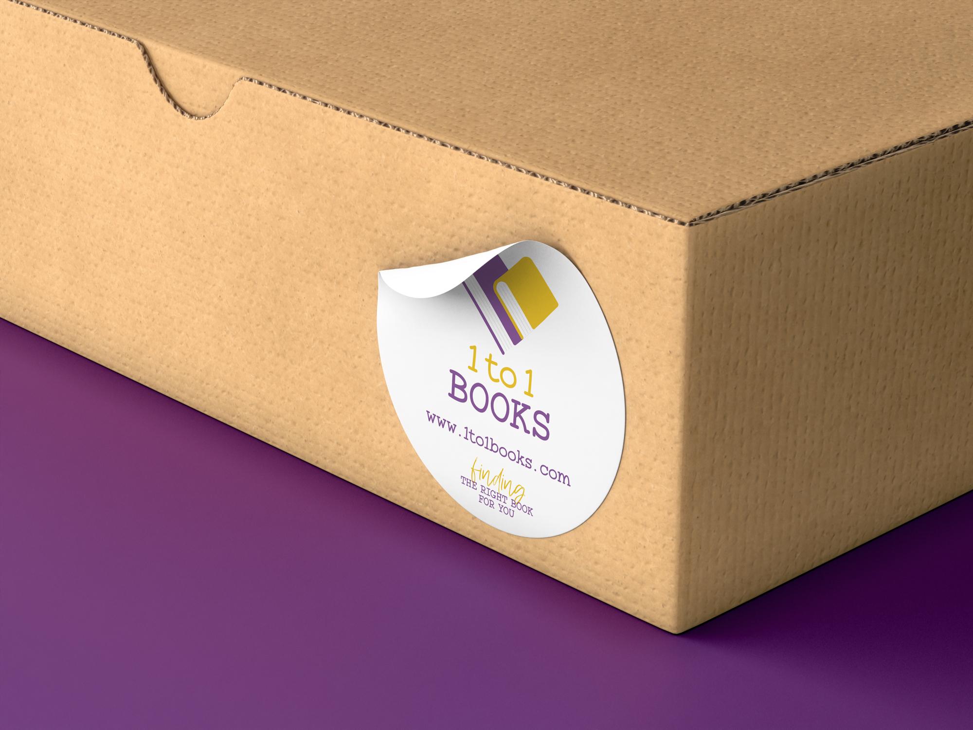 lato di una scatola con sticker 1to1books